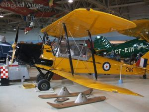 DH.82C with Canadian specific cockpit canopy and optional skis. Alberta Aviation Museum, Edmonton in 2012
