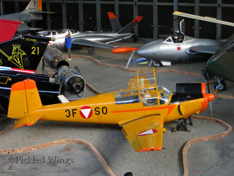 Saab 91 Safir - trainer