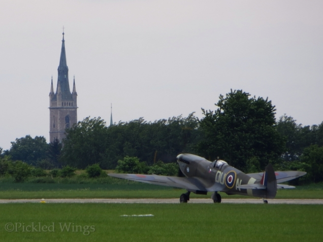 A Spitfire Mk.XVI taxiing back from its performance.