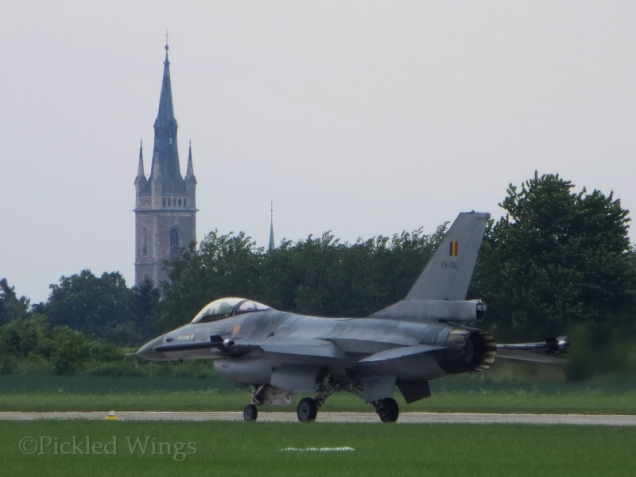A Belgian F-16 taxis back after an incredible solo routine.